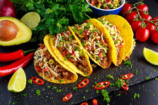 Gefüllte Tacos - Mexican Foodtruck München