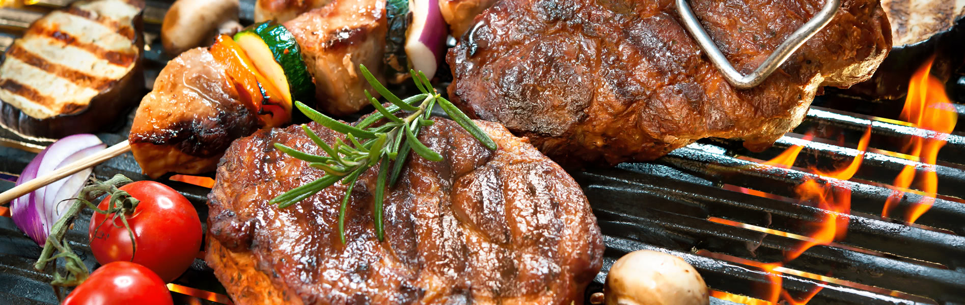 Fleisch & Spieße auf dem Grill - BBQ-Grill Food Truck München mit UNIKORN Catering