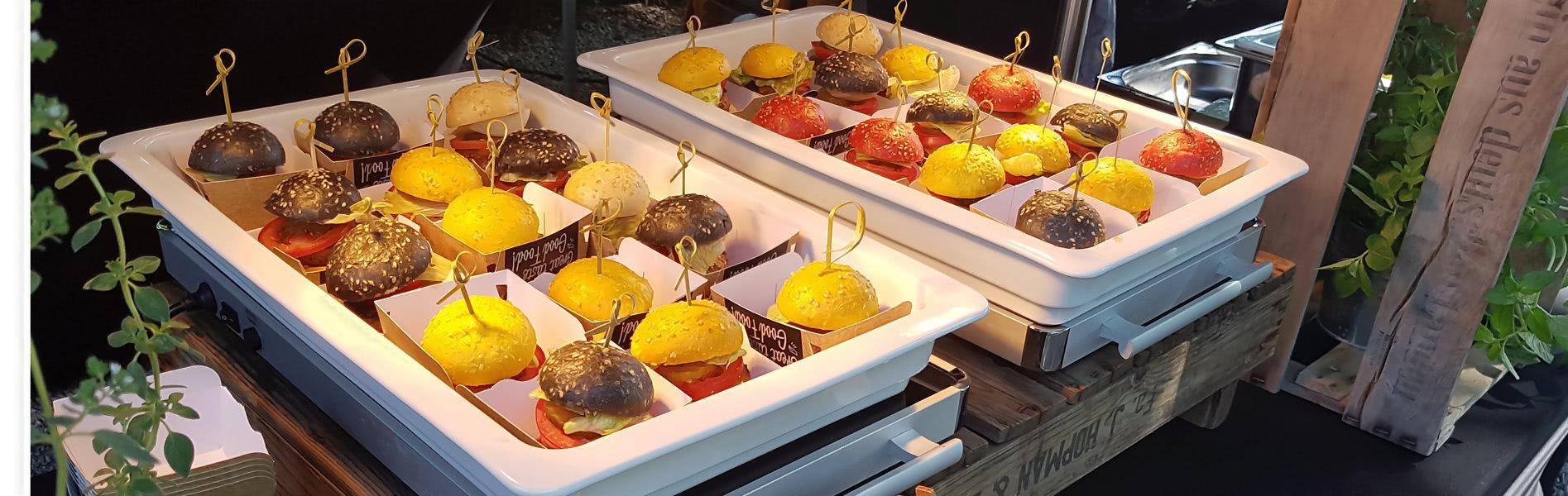 Mini-Burger in Boxen - UNIKORN Catering München - Steetfood aus dem Foodtruck